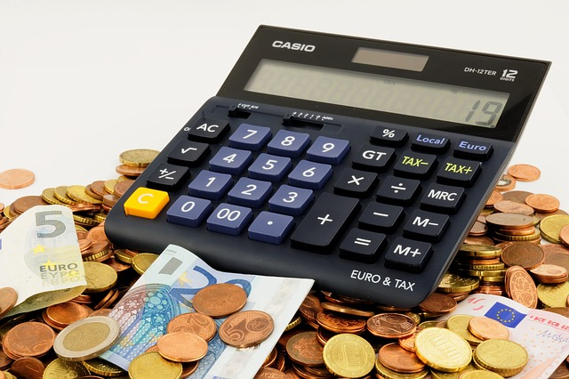 How to Save Money by Outsourcing Accounting Services