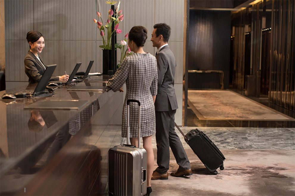 Travel services can benefit from live chat